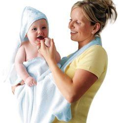 tolla para bebé con capucha